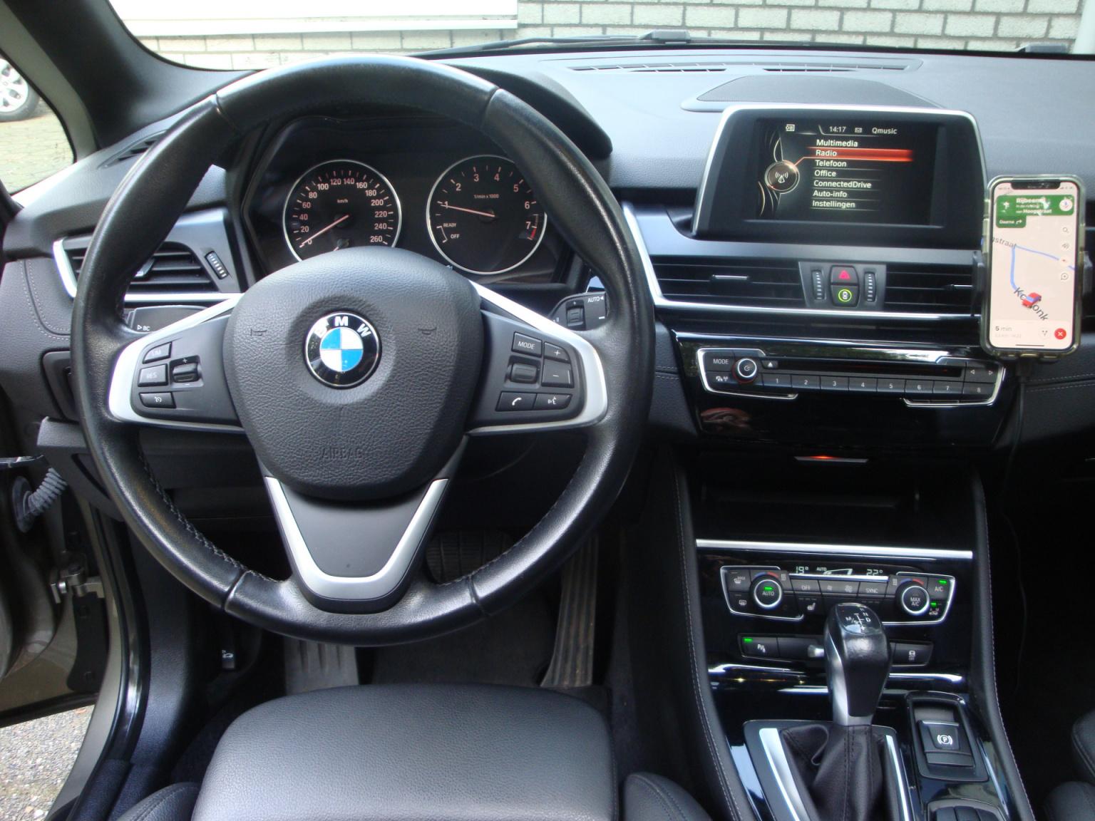 BMW-2 Serie-8