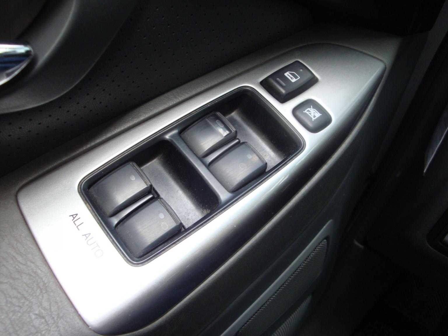 Toyota-Land Cruiser-14
