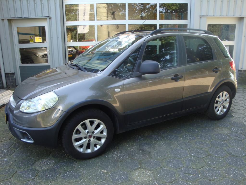 Fiat-Sedici-thumb